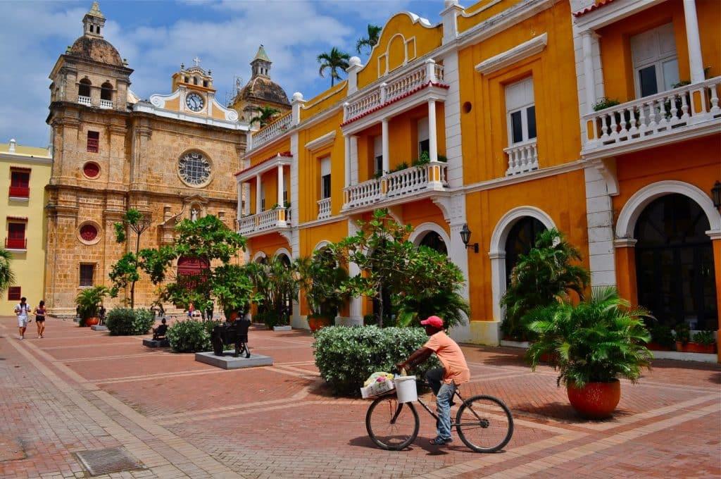 Visitar a Igreja e Faculdade de Santo Domingo emCartagena das Índias
