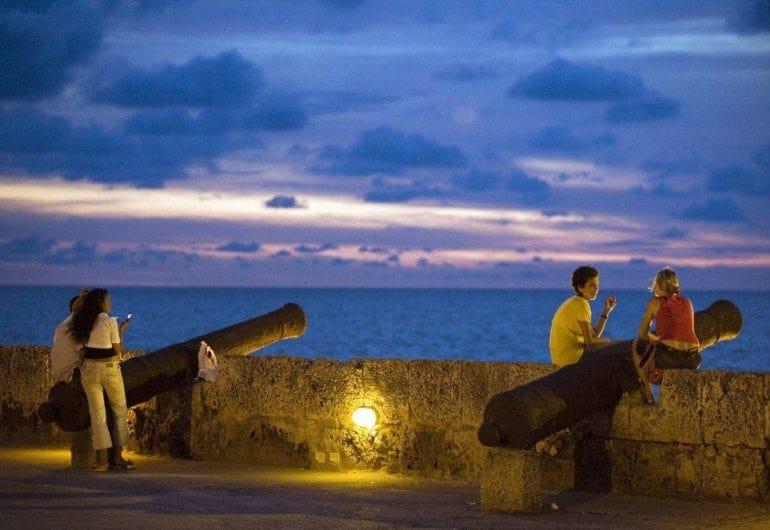 Conhecer o Monumento La India Catalina e as Muralhas de Cartagena, logo ao lado