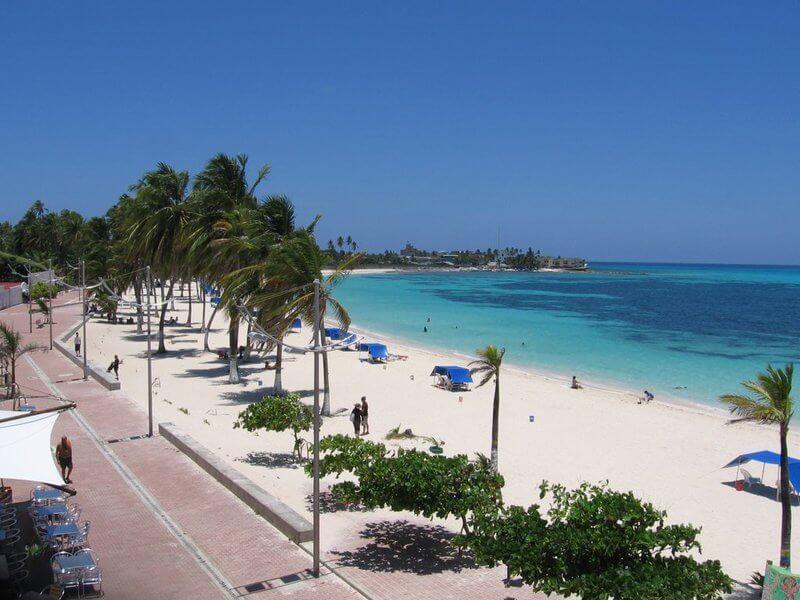 Playa Spratt Bight ou Peatonal, San Andrés