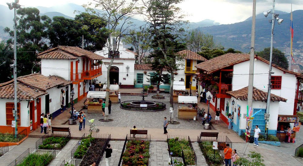Subir o Cerro de Nutibara