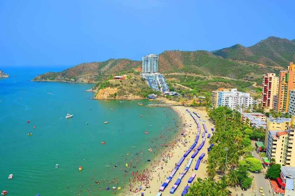 Praia de El Rodadero na Colômbia
