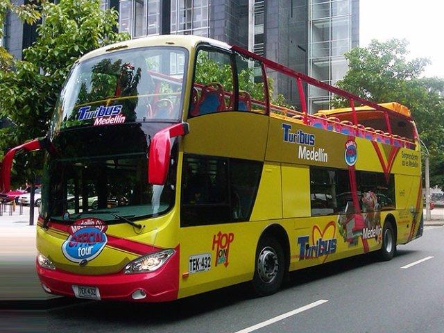 Passeio de ônibus turístico em Medellín