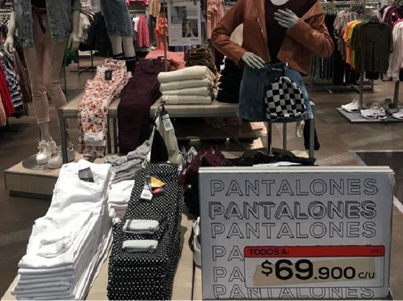 Loja do Floresta Outlet Mall em Bogotá