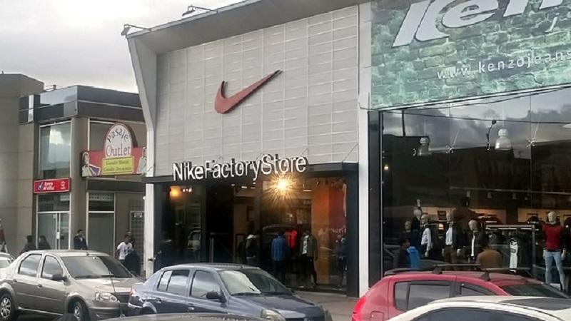 Loja Nike no Outlet de las Americas em Bogotá