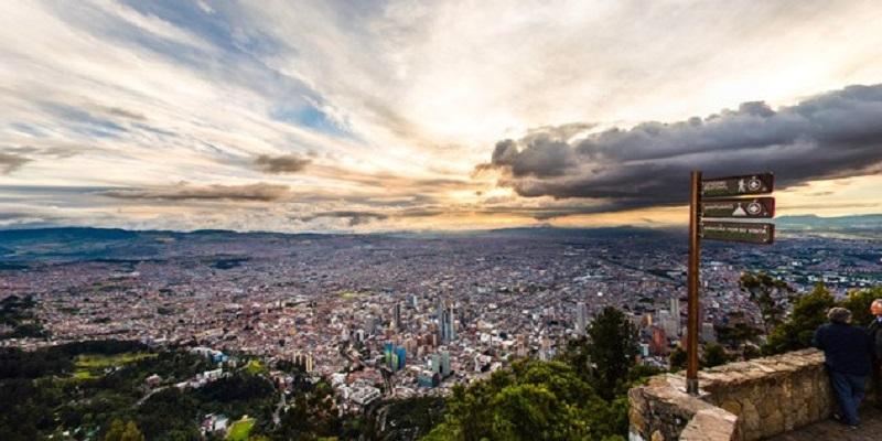 Vista de cima de Monserrate em Bogotá