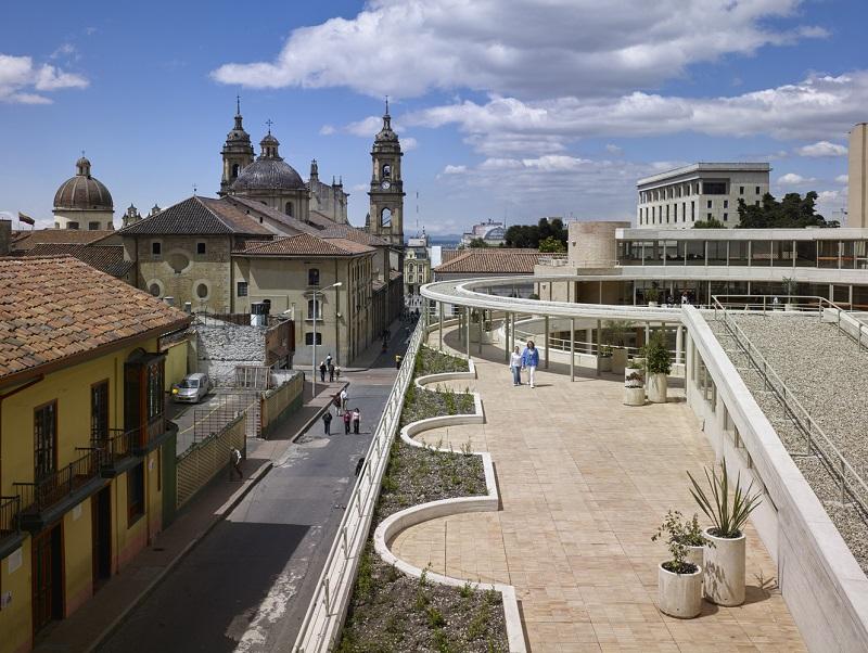 Pátio do Centro Cultural Gabriel García Marquez em Bogotá